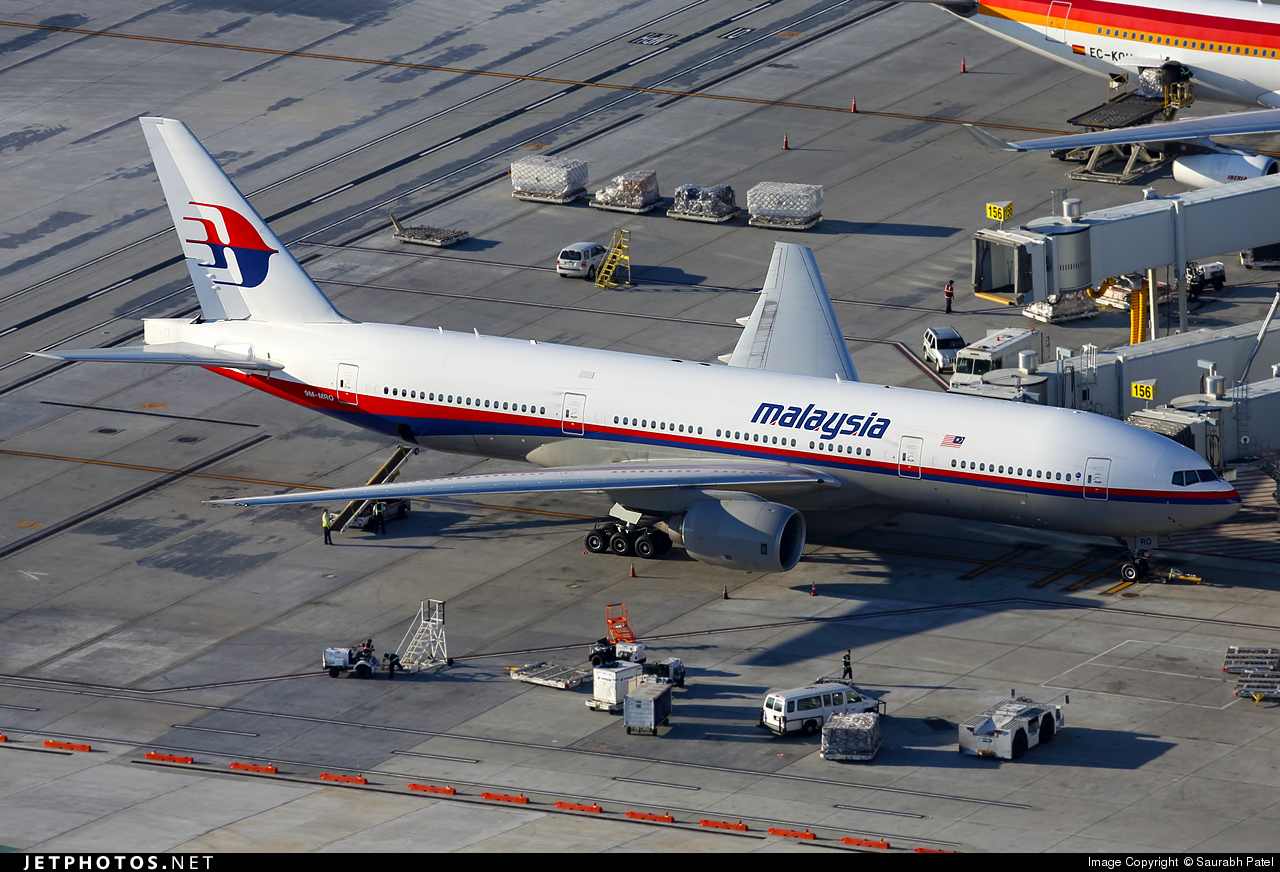 9M-MRO Boeing 777-2H6(ER), Malaysia Airlines, serial # 28420